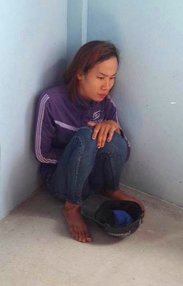 Nguoi dan vay chat mot phu nu vi nghi bat coc tre em khi di trom cap