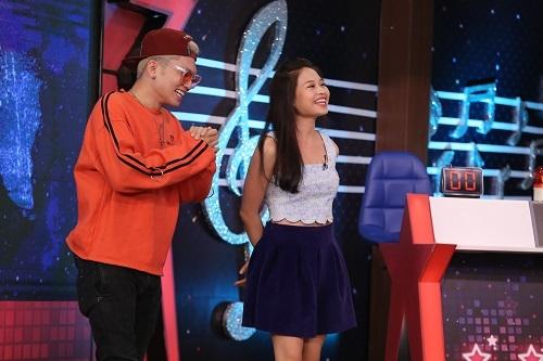 Con gai Le Giang hat cai luong khien khan gia lam tuong doc rap