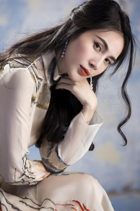 Sau 5 năm kết hôn, Thuỷ Tiên viết nhạc tặng Công Vinh