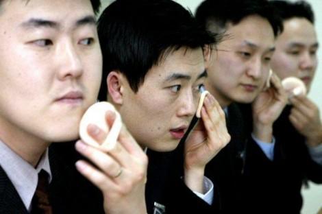 Trai Hàn Quốc đua nhau làm đẹp để 'xinh' hơn cả phụ nữ
