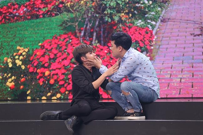 Viet Huong buon non sau khi hon Anh Duc tren san khau
