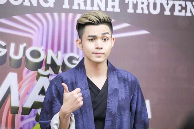Jun Pham dang quang 'Guong mat than quen' 2017