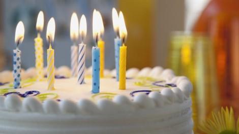 Thói quen thổi nến bánh sinh nhật làm tăng vi khuẩn gấp 14 lần