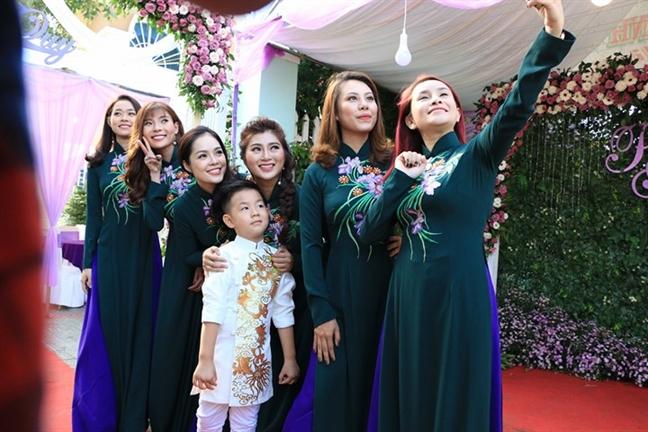 Le Phuong hanh phuc rang ro trong ngay vu quy