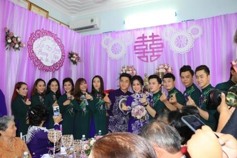 Dàn bê quả đám cưới Lê Phương 'chặt chém' cả cô dâu - chú rể