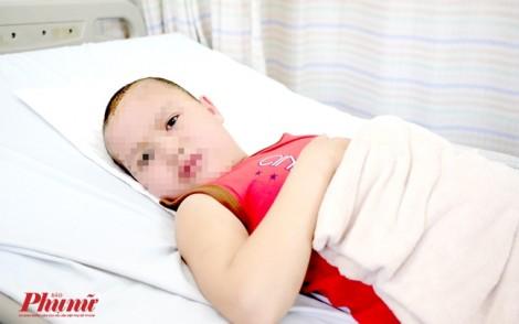 Lên TP.HCM thăm mẹ, bé trai 8 tuổi té chấn thương sọ não