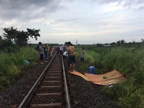 Bị tàu hỏa tông chết vì đeo tai nghe đi trên đường sắt