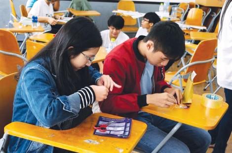 'Thị trấn giấy' giữa  Sài Gòn