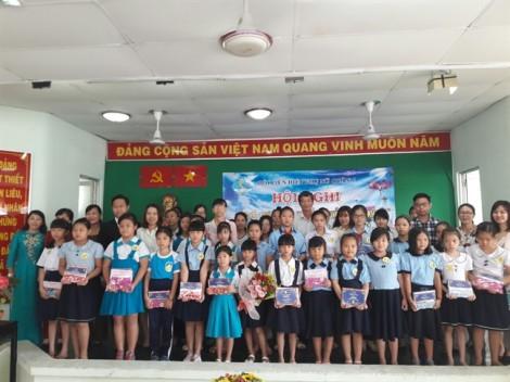 Trao 87 suất học bổng Nguyễn Thị Minh Khai cho học sinh, sinh viên nghèo