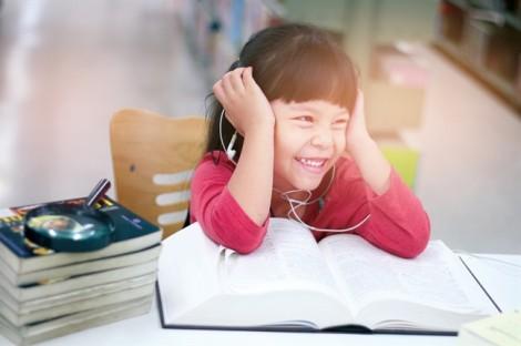 Giúp trẻ làm quen với tư duy phản biện