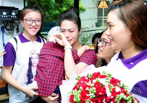 Nhật Kim Anh khóc nấc khi được fan bí mật mừng sinh nhật