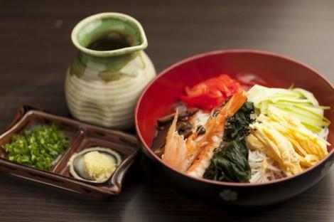 Tự thực hiện 5 món ngon Nhật đơn giản cho bữa ăn gia đình