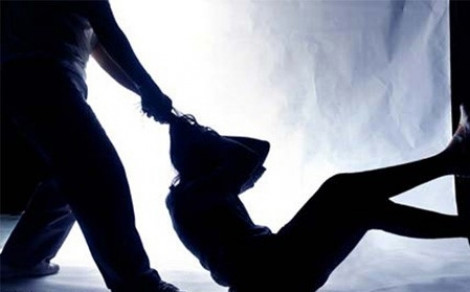 Bắt cóc, hành hung nữ tiếp viên 15 tuổi để đòi nợ