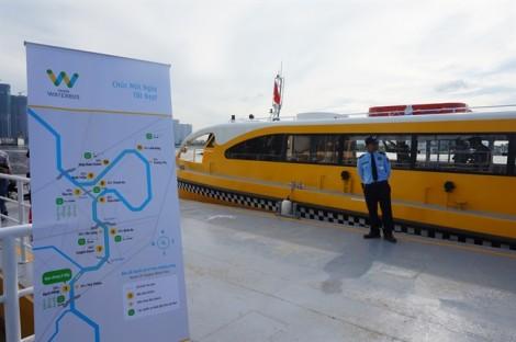 Ông Bùi Xuân Cường: 'Đừng để khách đến một lần rồi quay lưng với buýt đường sông'