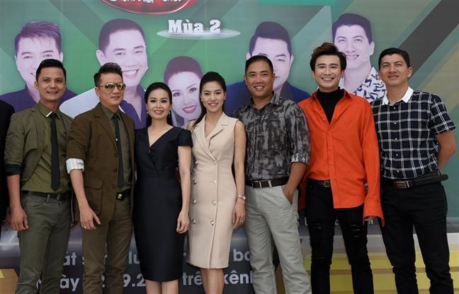 Dam Vinh Hung: 'Tinh tinh Quang Le giong nhu em be!'