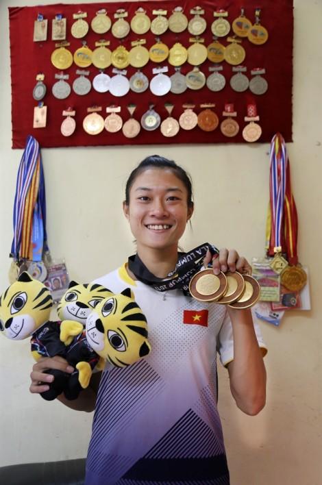 Những khó khăn ít ai ngờ của nữ vận động viên đạt 3 huy chương vàng SEA Games 29
