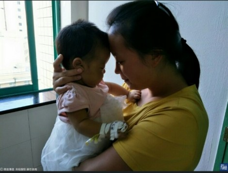 Thương người mẹ giành sự sống cho con, bác sĩ tặng món quà vô giá... miễn phí
