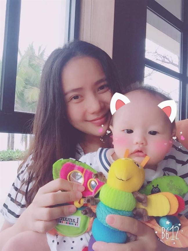 Nguoi mau Phan Nhu Thao: 'Nhac den vo cu cua chong la toi son gai oc'