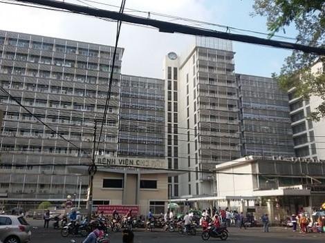 3 người phụ nữ vào Bệnh viện Chợ Rẫy đánh ghen
