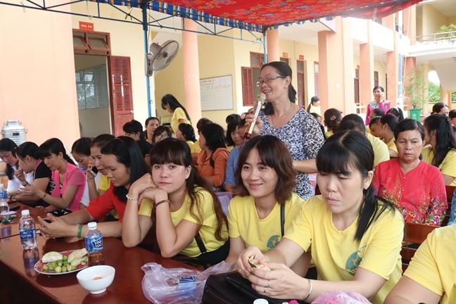 'Gia dinh 5 khong 3 sach': Gop phan xay dung nong thon moi