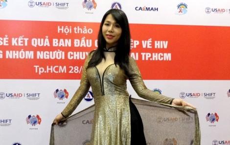 Cô gái chuyển giới 'biến' nhóm hát đám ma thành ban nhạc chuyên nghiệp