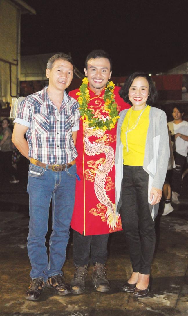 Dao dien Vu Tran: Toi chon theo con duong cua ngoai