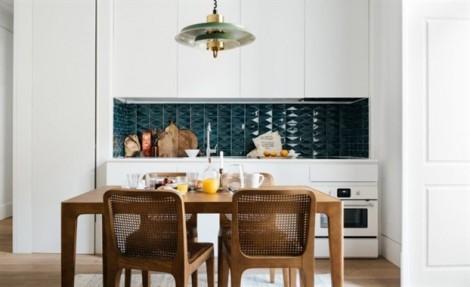 Mẹo trang trí nhà bếp nhỏ hẹp trở nên rộng rãi, hấp dẫn hơn