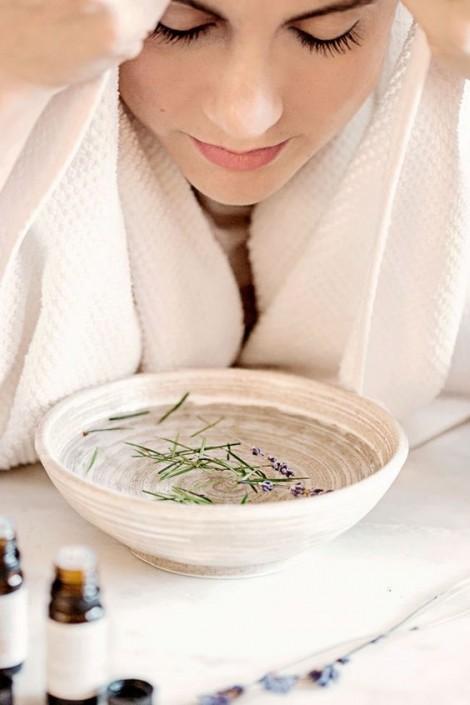 Cách xông hơi da mặt ngừa mụn, giảm nhăn