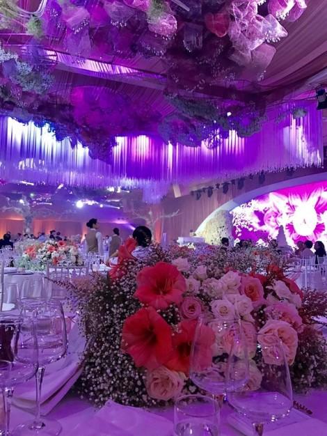 Những khoảnh khắc hoa hậu Đặng Thu Thảo rơi nước mắt trong ngày cưới gây xúc động