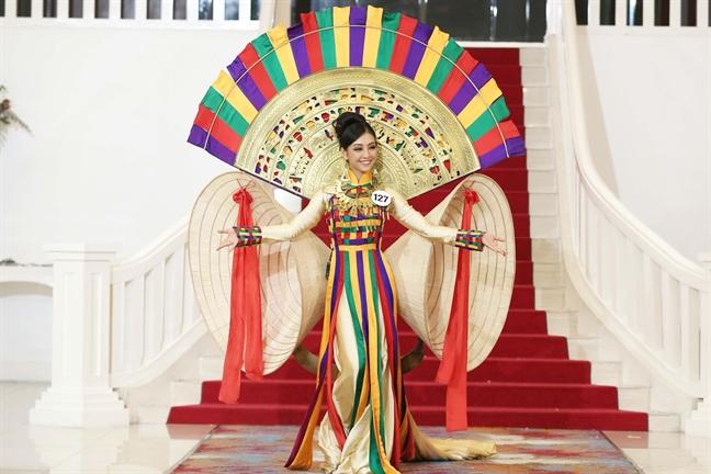 Bi Pham Huong chinh thai do tai HHHVVN 2017, Mai Ngo cho rang dan chi 'lam qua'