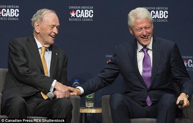 Hillary ra tu truyen, Bill Clinton gian vo toi muc 'chien tranh lanh' nhieu thang