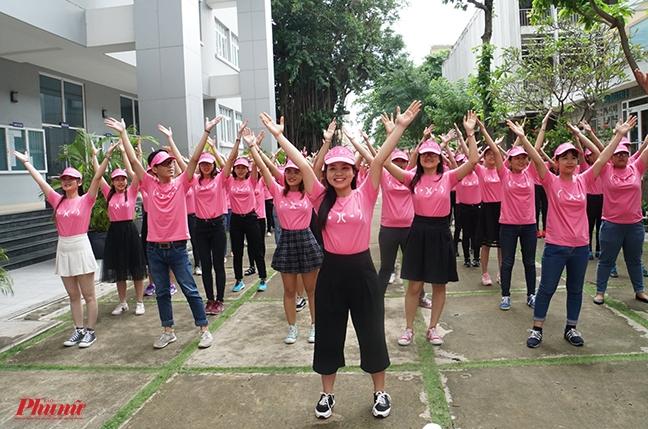Kham ung thu vu mien phi cho 10.000 phu nu tai Ha Noi, Hue va TP.HCM