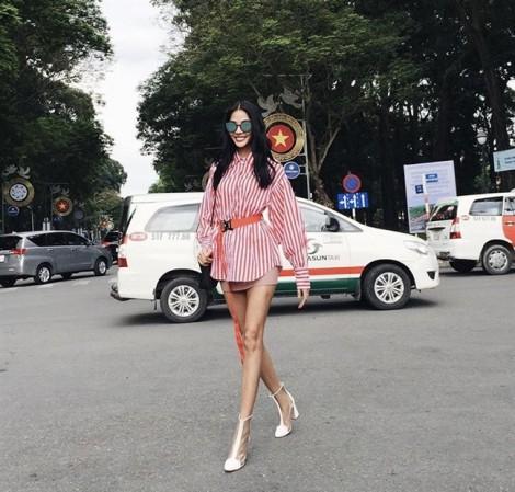 Mỹ nhân Việt mê tít váy ngắn trong street style tuần qua