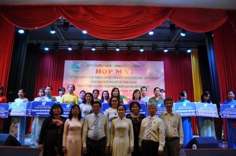 Quận 6: Chúc mừng cá nhân nhận Giải thưởng Nguyễn Thị Định
