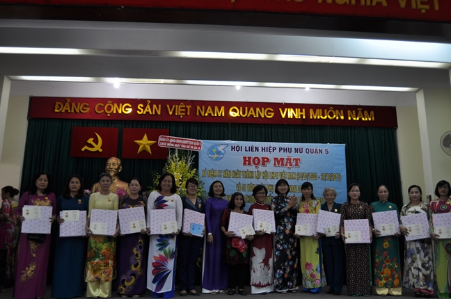 Quan 5: Don nhan Giai thuong Nguyen Thi Dinh