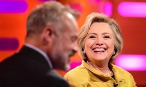 Hillary Clinton mượn chương trình hài hước của Anh để chê Donald Trump?