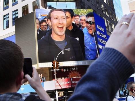 CEO Facebook Mark Zuckerberg và vợ làm gì với khối tài sản 74 tỷ USD?