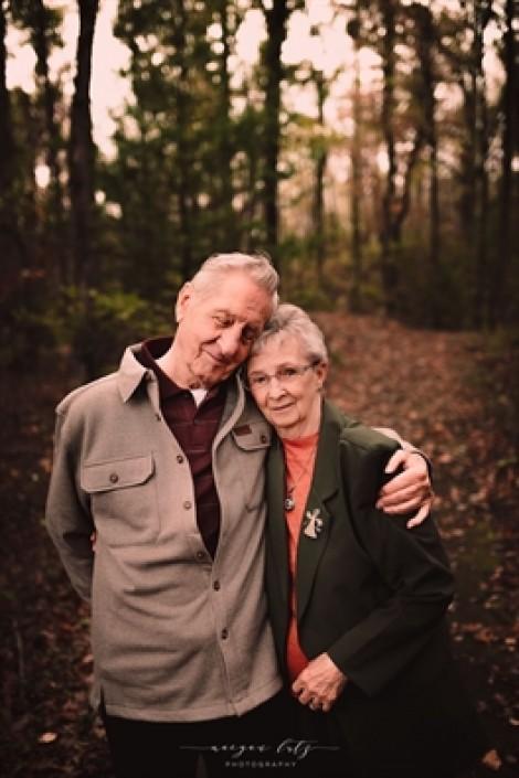 68 năm bên nhau, tình già như mật ngọt