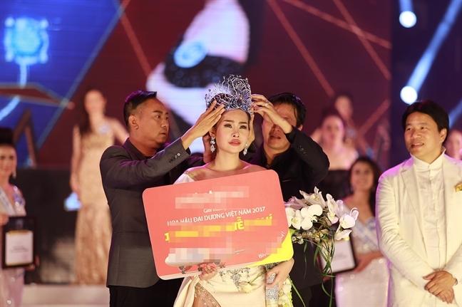 Truong BTC Hoa hau Dai duong Vo Viet Chung: 'Dang Thu Thao la nguoi vo on'