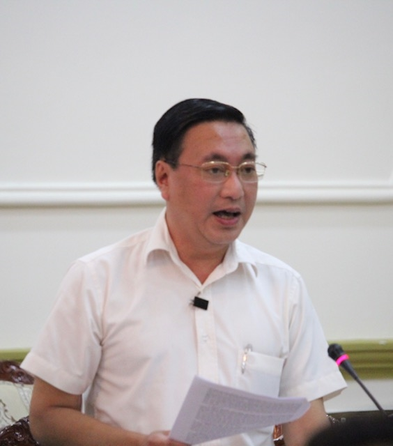 Chu tich TP.HCM de nghi kiem tra cua hang Khaisilk sau vu ban khan lua Trung Quoc