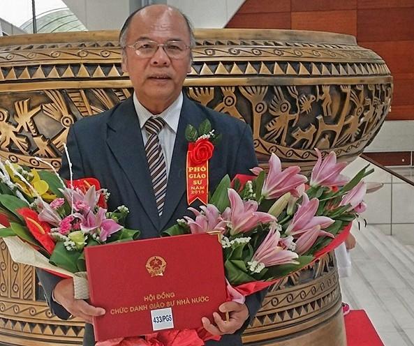 BS tham my noi ve Hoa hau Dai duong Ngan Anh: 'Don mui, lay ra lai goi la ve dep tu nhien that phi ly!'