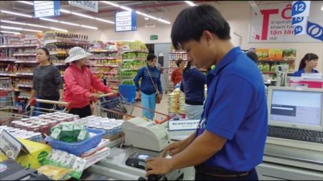 Vì sao chủ dịch vụ lẫn khách hàng đều ngại quẹt thẻ thanh toán?