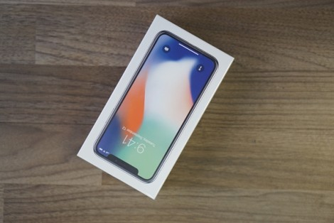 Mới 2 ngày về Việt Nam, giá iPhone X đã giảm chóng mặt