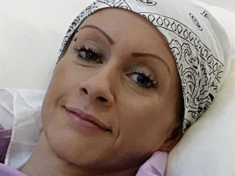 Vợ cũ của chồng bị ung thư giai đoạn cuối, vợ mới liền ra tay cứu giúp