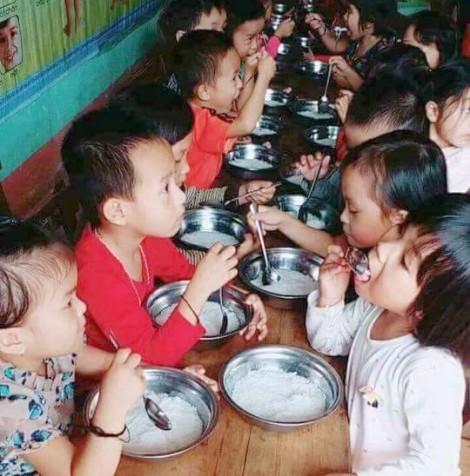 Trường mầm non bị phát hiện lạm thu sau vụ cho trẻ ăn bún luộc