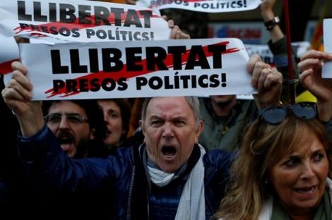 Tây Ban Nha: 750 nghìn người xuống đường đòi thả các nhà lãnh đạo ly khai