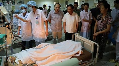 Vụ chạy thận ở Hòa Bình: Gia đình bệnh nhân đòi 2 tỷ, bệnh viện 'xin' hóa đơn đỏ