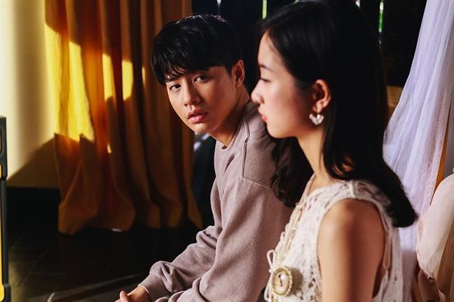 MV 30 trieu view cua Noo Phuoc Thinh bi xoa: Bai hoc khi boi ra bien lon
