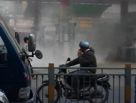 Cháy nổ cây xăng, hàng chục người tháo chạy tán loạn