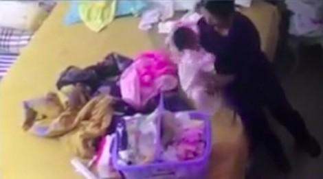 Bắt khẩn cấp nữ giúp việc bạo hành bé gần 2 tháng tuổi